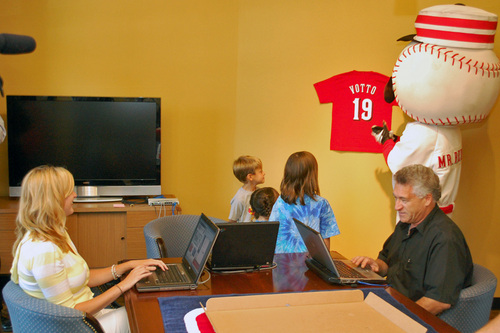 Office-Care-Vote-Votto-02.jpg