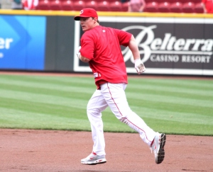Just for fun, Jay Bruce's teammates unleash 3 hungry wolves  while Jay rounds the bases during batting practice