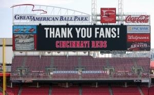 Thank-you-fans-scoreboard-12