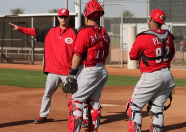 Mike Stefanski chats with the catchers