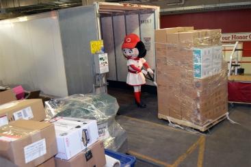 Truck-loading-021015-01